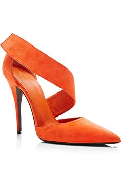 Narciso Rodriguez ● Fall Camilla Pump with these shoes Hot Shoes, Crazy Shoes, Me Too Shoes, Slip On Pumps, Slip On Shoes, Pump Shoes, Pretty Shoes, Beautiful Shoes, Strappy Shoes