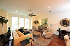 Avondale Park Manor Living area by Drake Homes In., Houston, Texas http://drakehomesinc.com/?communities=avondale-park