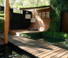 Contemporary Deck by GardenDrum