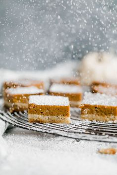 Beautiful healthy paleo pumpkin pie bars with an almond flour 'sugar cookie' crust. Easy to make and a great healthy thanksgiving dessert! Paleo Pumpkin Pie, Healthy Pumpkin Pies, Pumpkin Pie Bars, Pumpkin Spice Syrup, Paleo Dessert, Dessert Recipes, Healthy Desserts, Paleo Sweets, Healthy Treats