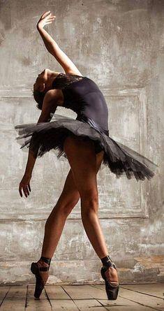 Ballet Painting, Dance Paintings, Ballet Art, Ballet Dancers, Ballerinas, Painting Canvas, Ballet Photography, Photography Poses, Ballerina Kunst