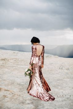 2fd30986f736fe Glamorous Blue Mountains Elopement - Photo by Heart  amp  Colour https   www