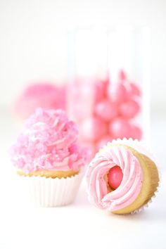 Bubble gum cupcakes, yum!