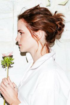 Emma Watson's makeup routine revealed