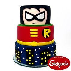 Bolo do Robin! 5th Birthday Party Ideas, 9th Birthday, Party Themes, Robin, Batman Cakes, Teen Titans Go, Cute Cakes, Themed Cakes, Themed Parties
