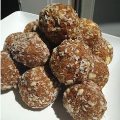 Carrot Cake Protein Balls- vegan and gluten free - Spoonful of Skinny