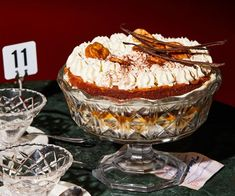 The great Sussex pie, in trifle form. Chef Recipes, Dessert Recipes, Delicious Desserts, Dried Banana Chips, Banoffee Pie, Tiramisu, Fried Bananas, Victoria Sponge, Trifle Recipe