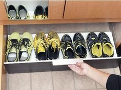 子どもの靴用の簡易引き出しをDIY