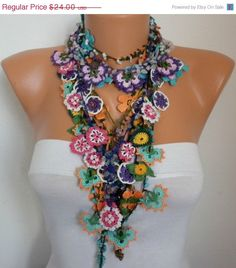 Crocheted Flower Necklace Oya  with semiprecious stones  - Bridesmaids Gifts ~~  this is so cool !!!