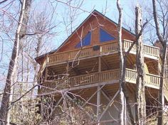 $700/3 nights Hendersonville hot tub,  pool table, ping pong, waterfall on property  3bd 3.5ba amazing
