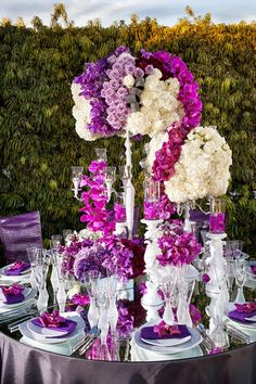 Stunning Purple and White Reception Tablescape + Centerpiece