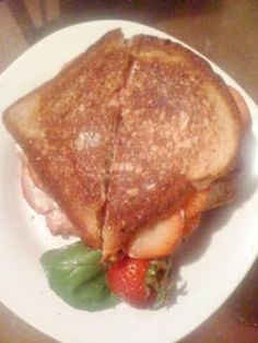 Strawberry and Basil Grilled Cheese #vegan