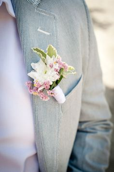 White, Kiss of Pink, Dahlias, Romantic  #WeddingFlowers #Boutonniere #WeddingBoutonniere