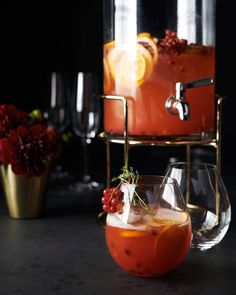 Punch up your New Year's Eve. This bright, low-alcohol punch is one you can sip merrily for hours. Get the recipe at the link in our bio. Alcoholic Punch, Non Alcoholic Cocktails, Best Cookie Recipes, Holiday Recipes, Sangria Punch, New Year's Food, Oranges And Lemons, Homemade Soup, Recipe Details