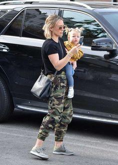 Hilary Duff Style, Disney Stars, Dove Cameron, Zendaya, The Duff, Real People, Dressing, Sporty, Chic