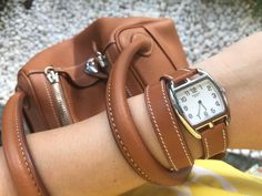 Hermes Lindy, Hermes Bags, Hermes Handbags, Hermes Watch, Fashion Accessories, Fashion Jewelry, Expensive Watches, Round Bag, Gold Watches