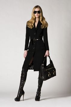 See the complete Versace Pre-Fall 2009 collection.