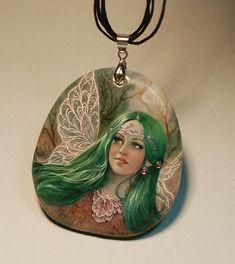 """Купить Кулон """"Фея с изумрудными волосами"""" - лаковая миниатюра, кулон, натуральный камень, ручная роспись"""