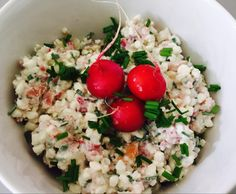 Rezept Frühlingshafter Hüttenkäse von nudelnmitketchup - Rezept der Kategorie Saucen/Dips/Brotaufstriche