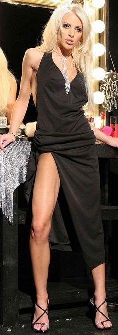Like this Tawny roberts black