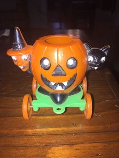 Mens Gifts Vintage Halloween Toys Jack O Lantern Pumpkin On Both Sides Rare Find /& Collectible All Hallows/' Eve Tin Toy YoYo Womens Gifts!