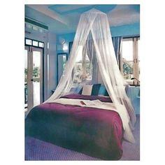 Adoptez la moustiquaire ciel de lit pour vous protéger des insectes tout en installant une ambiance romantique ! #deco #home