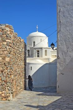 Greece - Naxos, Queen of the Cyclades - HeNeedsFood Naxos Greece, Old Wall, Greek Islands, Greece Travel, Byzantine, Us Travel, Old Things, Europe, Explore