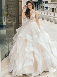 Fancy Wedding Dresses, Tulip Wedding, Elegant Wedding Dress, Wedding Gowns, Wedding Dress Gallery, Mein Style, Dream Dress, Bridal Gowns, Beautiful Dresses