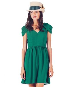 green-party-dresses Chloe, Green Party Dress, Zara, Cute Earrings, Cute Dresses, Party Dresses, Short Sleeve Dresses, Shirt Dress, Outfits