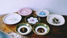 Queen Pictures, Vintage Plates, Wedgwood, Fine Dining, Gifts For Mom, Decorative Plates, Christmas Gifts, My Etsy Shop, Mint