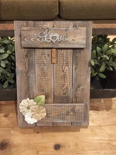 Rustic Wood Picture Frames - Projects to try - Pallet Crafts, Frame Crafts, Diy Frame, Wooden Crafts, Diy Wood Projects, Woodworking Projects, Woodworking Plans, Pallet Ideas, Barn Wood Crafts