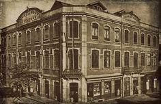 Edifício sede da CSSPP, na esquina da Rua do Paraíso com a Rua de Camões, Porto, Portugal- Fotografia de 1950.