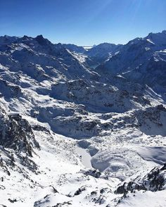 View from the top of Mont-Fort at 3330m looking South. Closest the snow covered Lac du Petit Mont Fort. Then further afield the turquoise Lac de Mauvoisin held back by the dam of the same name at the end of the Val de Bagnes. On the horizon land.  @168lat  #skivibes#verbier#italia