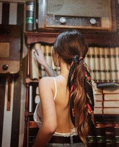 Stirnband Frisuren - Frisuren Blond Headband hairstyles Headband hairstyles- Cute ponytail with head Cute Headband Hairstyles, Cute Headbands, Scarf Hairstyles, Bandana Hairstyles For Long Hair, Summer Hairstyles, Bandana In Hair, Romantic Hairstyles, Style Hairstyle, Messy Hairstyles