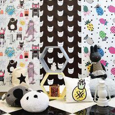 Papéis de parede, Nichos, Luminárias, Almofadas, Enfeites, Bichinhos, decor para o quarto dos seus filhos ficarem ainda mais lindos. Confira a nossa seleção #decoração.http://bit.ly/2d0KUVt