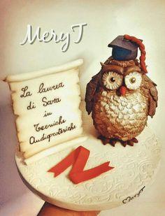 Cake topper gufo per laurea,in pasta di mais, porcelana Fria, cold porcelain