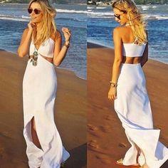 Preparadas para o ano novo? #anonovo #reveillon #branco #vestido #look #moda #fenda