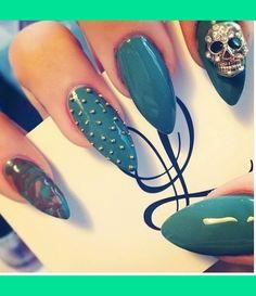 Mountain peek nails