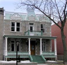 Le quartier Hochelaga-Maisonneuve : Série B « Les bâtiments » Rues, Quebec, Gazebo, Toronto, Outdoor Structures, Cabin, House Styles, Vintage, Home Decor
