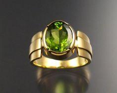 Peridot ring, 18k Gold