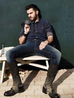 Giannis Tsimitselis Ηθοποιός New Gods, Greeks, Che Guevara, Hipster, Celebrities, Style, Fashion, Attitude, Celebs
