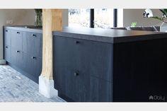 Keuken in villa volledig op maat ontworpen en gerealiseerd | Antonissen interieurbouw | OBLY.com