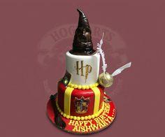 Hat - Harry Potter by MsTreatz - http://cakesdecor.com/cakes/295536-hat-harry-potter