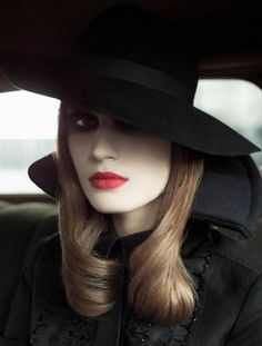 On the Road Vogue Italia, April 2002 Photographer: Steven Meisel Model: Eugenia Volodina Steven Meisel, Dark Beauty, Photo Glamour, Magazine Vogue, Looks Dark, Vogue Covers, Pale Skin, Pale Face, David Sims