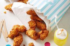 Amerikanische KFC-Style Chicken Tenders, ein schönes Rezept aus der Kategorie Geflügel. Bewertungen: 23. Durchschnitt: Ø 4,4.