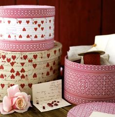 bookmarked so I can show Jamie samples of covering hat boxes for Valentines Day that I was talking about