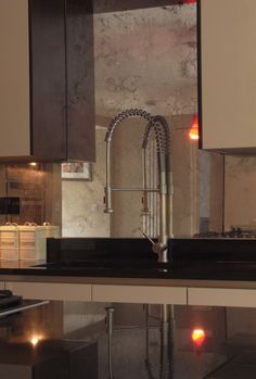 Mirrored Kitchen Splashback with Toughened Vintage Style of Antiquing