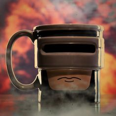 "Robocup: ""Vivo o morto, tu berrai del tè""."