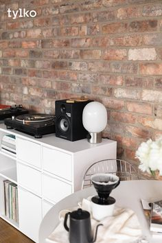 The only statement pieces you will ever need for your living room. Design a personalised sideboard that will fit all your favourite things - from records to turntables. #vinylstorage #vinyllove #vinylshelf #vinylrack