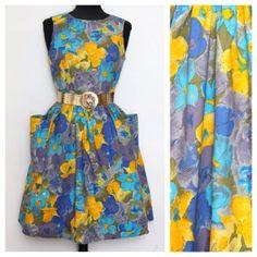 Vintage Dress / Sleeveless / Blue Yellow / Bold Floral / Cotton / Womens Clothing / Small / Pockets / Feminine / Spring Summer